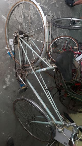 bici adulto antigua ruedas finas