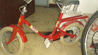bicicleta de niño antigua.