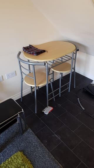 tables n chairs
