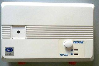 Triton Power Shower en caja.