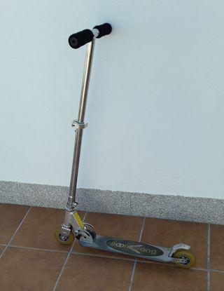 Patinete (scooter plegable) Boomerang