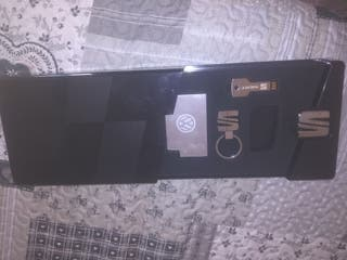 Estuche SEAT ( con USB,Llavero y memoria externa)
