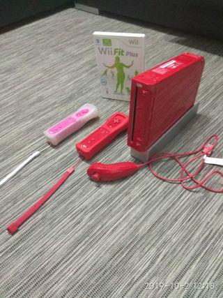 Wii roja + Wii Fit plus