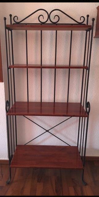estantería hierro y madera