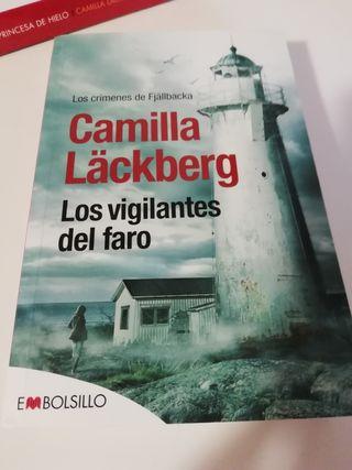 Libro LOS VIGILANTES DEL FARO Camilla Lackberg