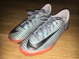 Botas fútbol Nike CR7 niño