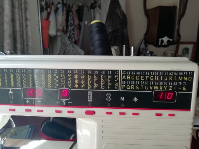 Máquina de coser ALFA WORLD SÚPER 4015 de segunda mano por