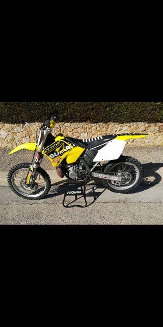 Suzuki RM 250 2002 motocross Cross