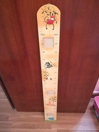 medidor de altura para niños de madera