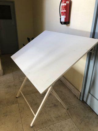 Mesa de Dibujo Tecnico 130x90 cm con regla.