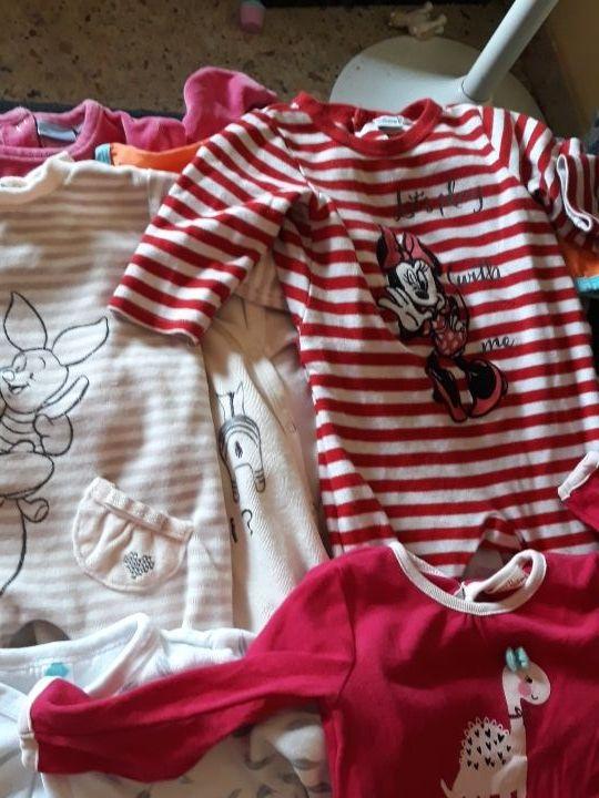 pijamas muy nuevos de 6-12 meses
