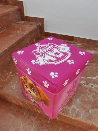 Caja almacenamiento de la patrulla canina