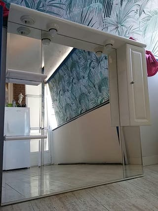 Espejo de baño con luz, mueble y estantes