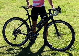 Se vende bicicleta carretera carbono Canyon