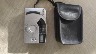 Cámara fotos antigua Nikon EF400SV