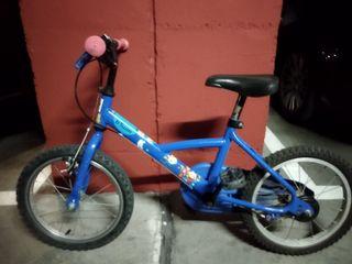 "bicicleta niño/a 16"" regalo casco y rodines."