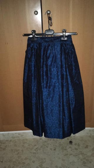 falda de baturra espectacular... mis 80 de largo