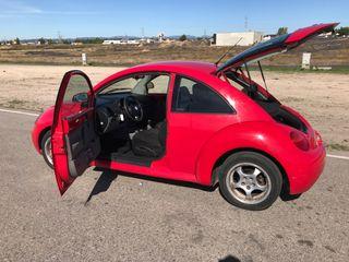 Volkswagen Beetle 1999 rojo