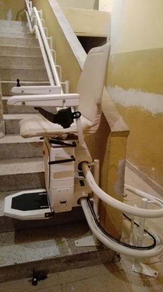 silla salvaescaleras,aún en garantia