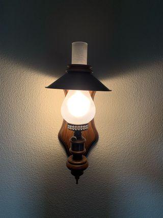 Lámpara pared clásica