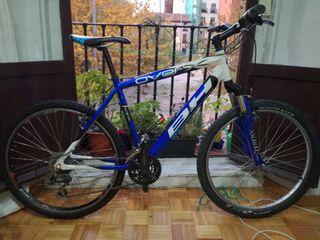 """Bicicleta de montaña 26 """" talla M"""