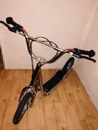 Patinete Scooter ruedas neumáticas grandes