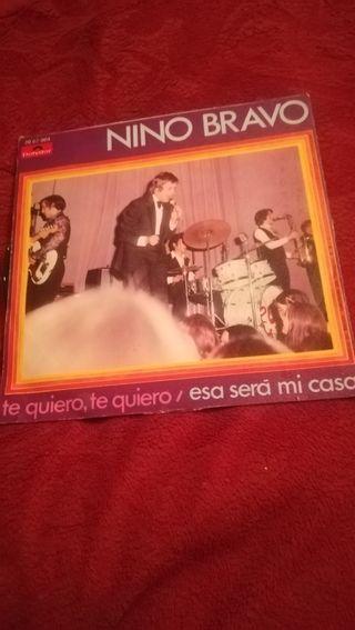 Antiguo vinilo de Nino Bravo