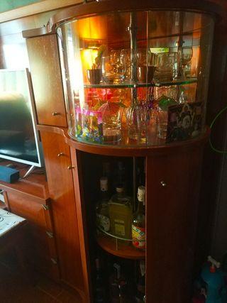 Mueble salón con vitrina y Bar