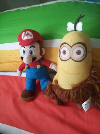 peluches de super Mario Bros y minions
