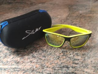 Gafas de sol en perfecto estado