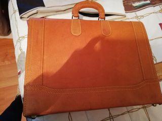 maleta-maletin antiguo de piel.