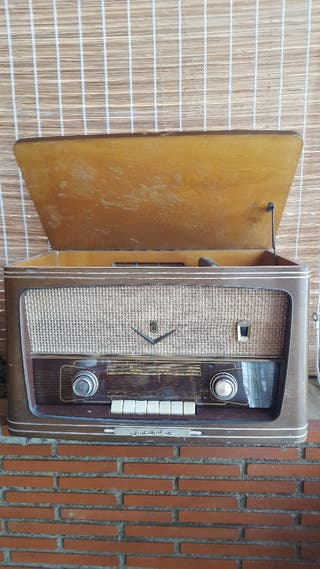 Radio antigua marca Iberia