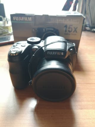 Cámara híbrida fujifilm finepix S1600