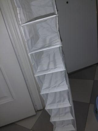 Colgador de zapatos para armario