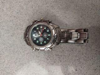 reloj titanium