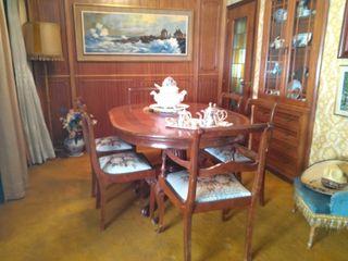 Juego de Mesa y 6 sillas de comedor