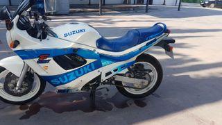 SE VENDE SUZUKI GSX 600F
