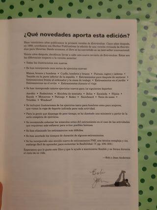 Libro de deporte, estiramientos.
