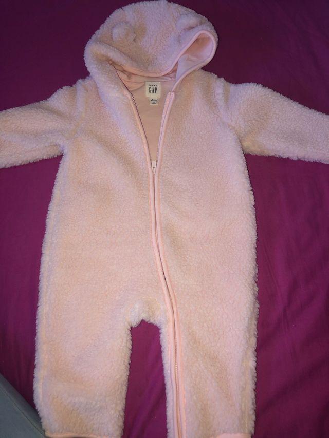 2 Buzos Marca Gap de bebe 6 a 12 meses niña
