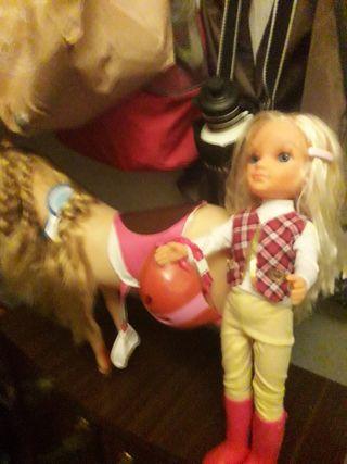 Muñeca Nancy a Caballo