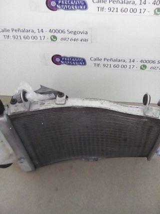 radiador ktm 1050 adventure dañado
