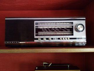 Antigua radio marca Iberia
