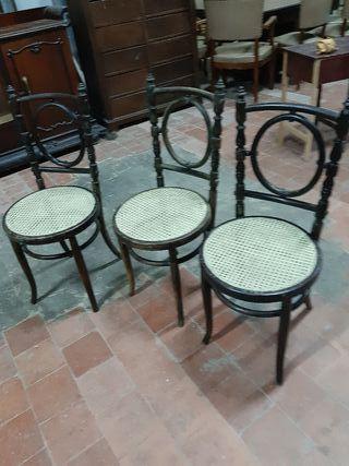 3 sillas de estilo Thonet