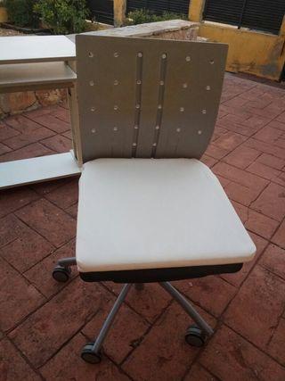 Mesa más silla de estudio