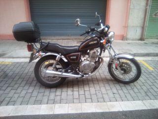 Suzuki 250 gn