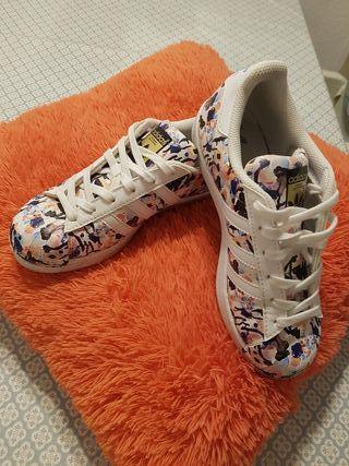 Adidas Superstar mujer edición especial