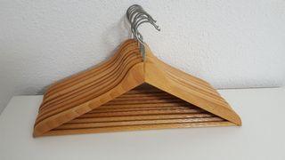 Perchas de madera alta calidad hechas en España