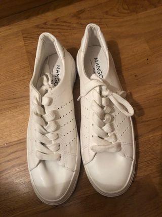 Zapatillas Blancas Mango en tienda!