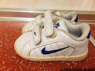 Zapatillas Nike talla 21 de segunda mano por 6 € en Aranjuez