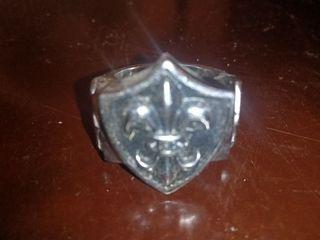 anillo flor de lis